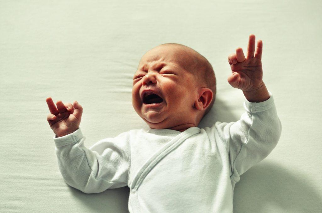 なく赤ちゃん 夜泣き