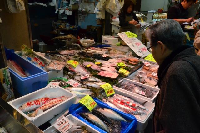 魚屋さん 魚が並ぶ