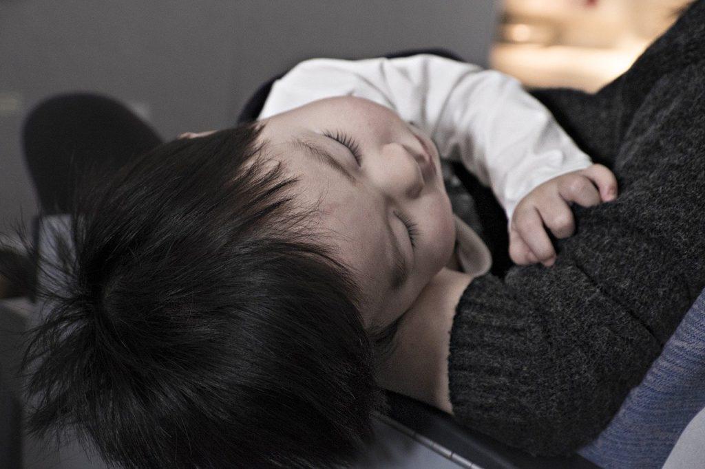 子供病気 寝ている子供