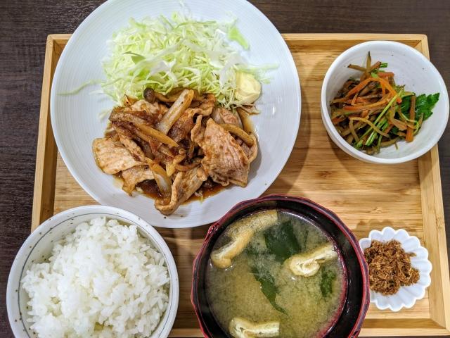 生姜焼き定食 和定食 お味噌汁 副菜 ご飯