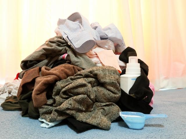 洗濯物 山のような洗濯 洗濯 家事 洗剤
